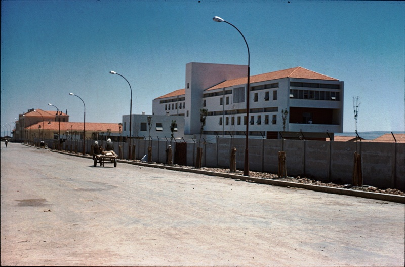 Hopital civil kenchela 1960.jpg