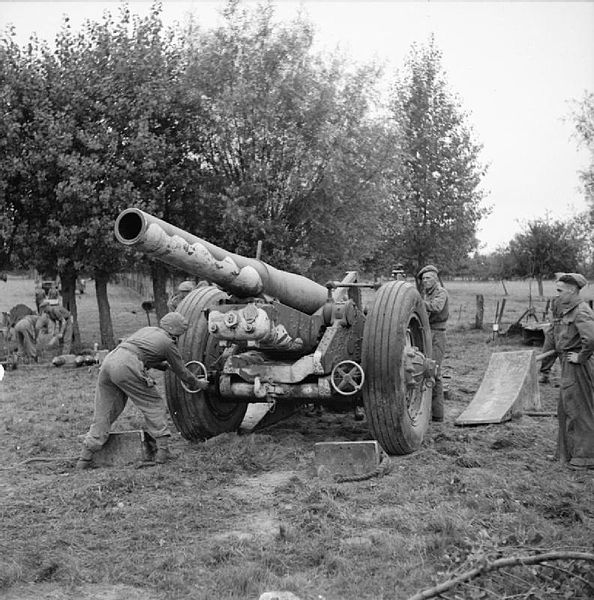 594px-7.2_inch_howitzer_of_51st_Heavy_Regiment[1].jpg