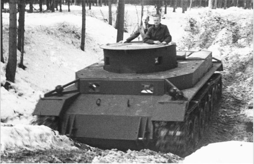 One of the two VK 30.01(p) or Porsche 100 prototypes produced and tested at St.Augustin winter 41-42_Historyfacts.com.jpg