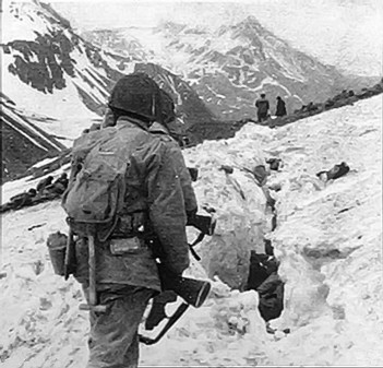 US_troops_at_the_Battle_of_Attu.jpg