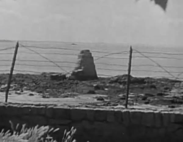 Nazaire_monument USA_1945_INA.jpg