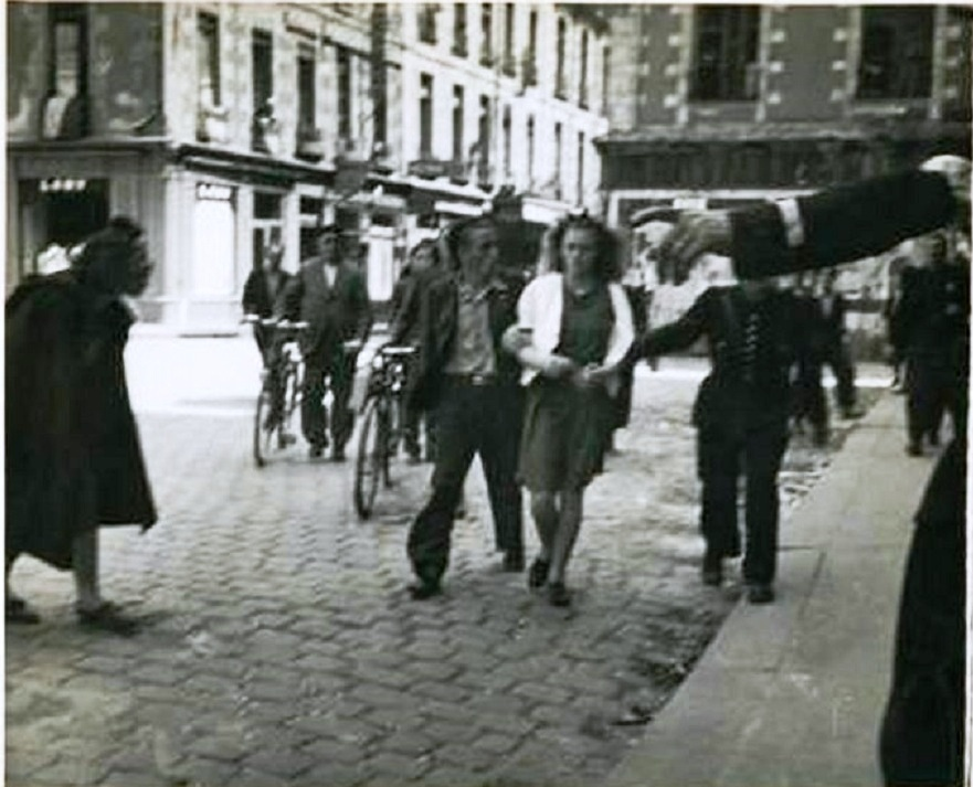 Arrestation collabo à Rennes aout 1944.jpg