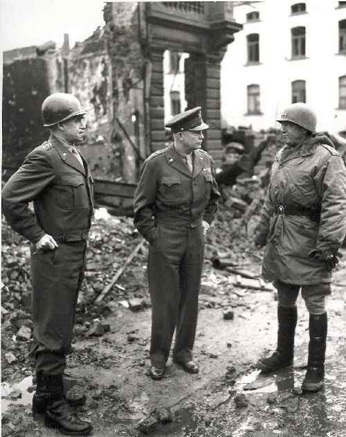 offensice_quelques_lignes_eisenhower_bradley_patton.jpg