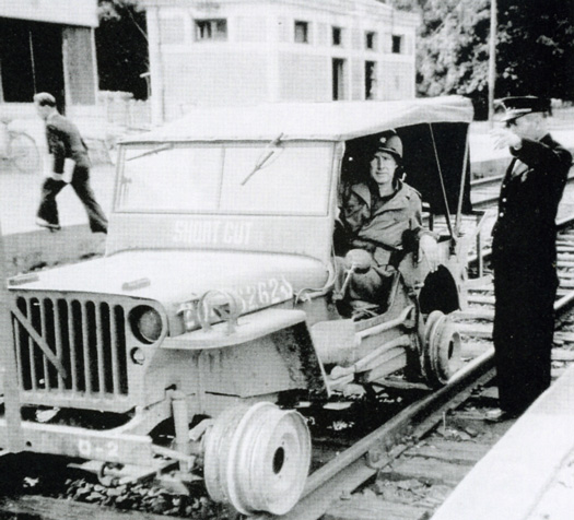 jeep sur rail 2.jpg