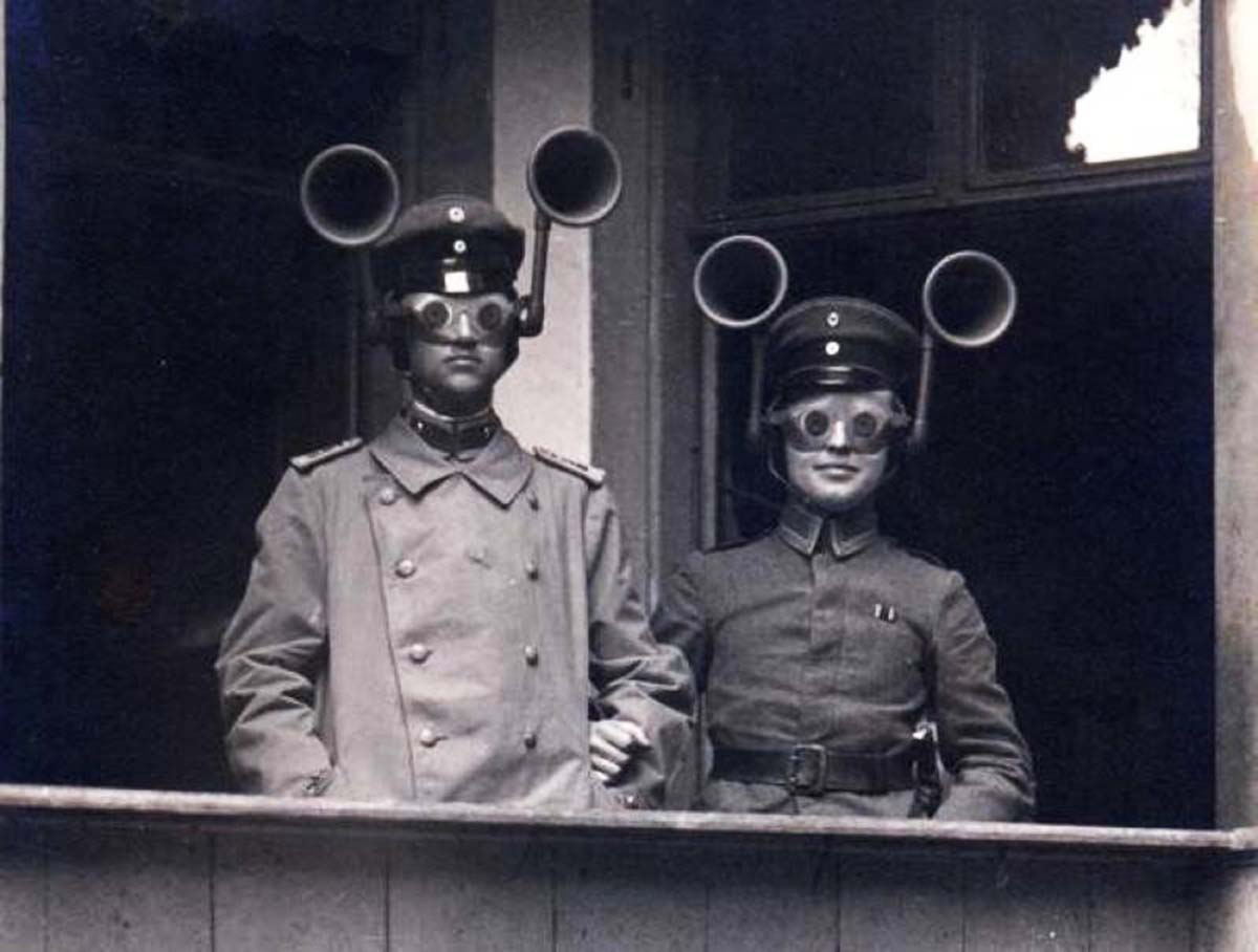 acoustic_locator_german-WWI.jpg