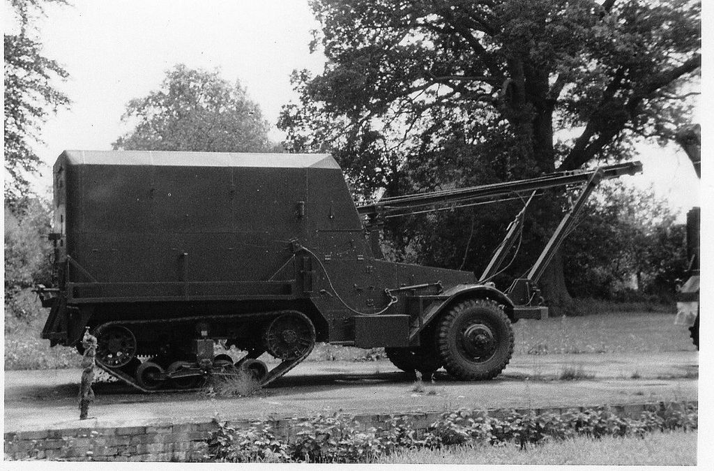 halftrack reme repair vehicle.jpg