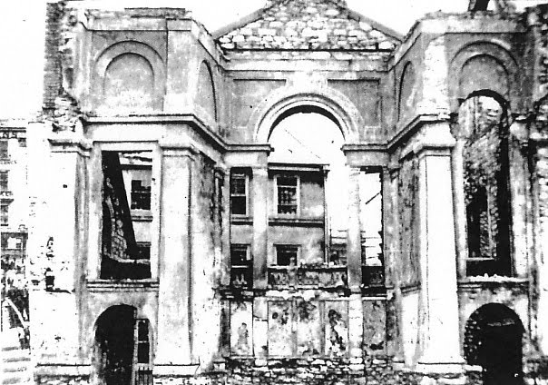 Plymouth A view of Holy Trinty Church after its destruction in 1941.png