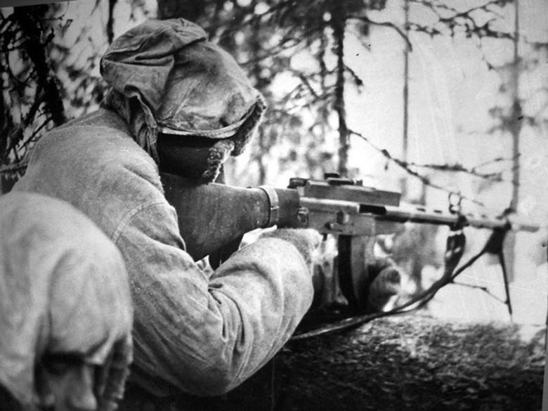 FOTOGRAFÍAS Y FICHAS QUE INTEGRAN LA HISTORIA. - Página 17 8833_Lahti-Saloranta_M-26_in_position